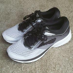 Brooks launch 5 running sneakers 11.5